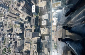 Read more about the article Grown-up Travel Guide Daily Photo: On the Skydeck Ledge, Chicago, USA