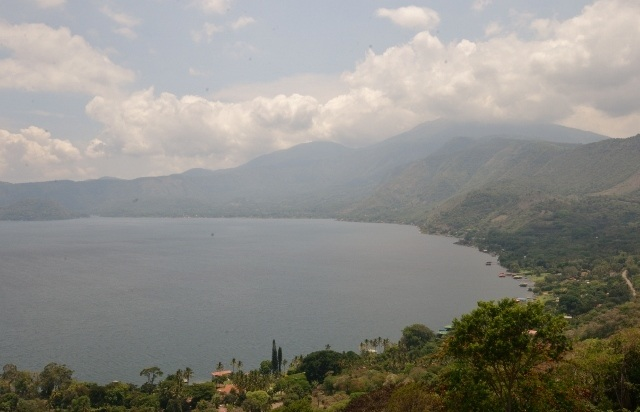 Read more about the article Grown-up Travel Guide's Best Photos: Lake Coatepeque, San Salvador, El Salvador