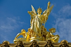 Read more about the article Grown-up Travel Guide Daily Photo: Statue on top of l'Opéra national de Paris, France