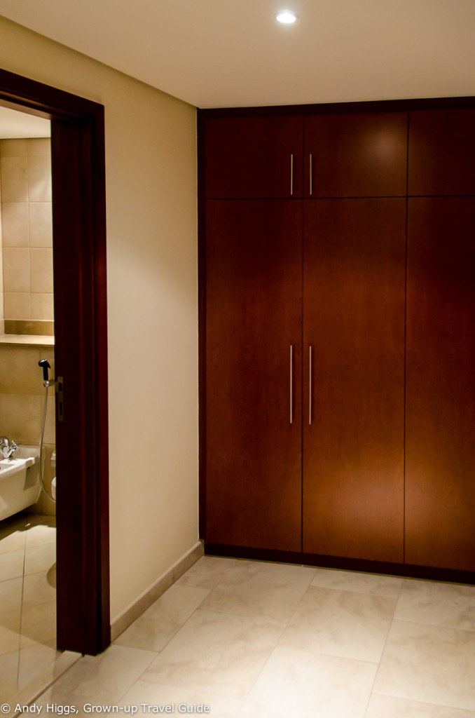 JA Oasis Beach Tower - wardrobe