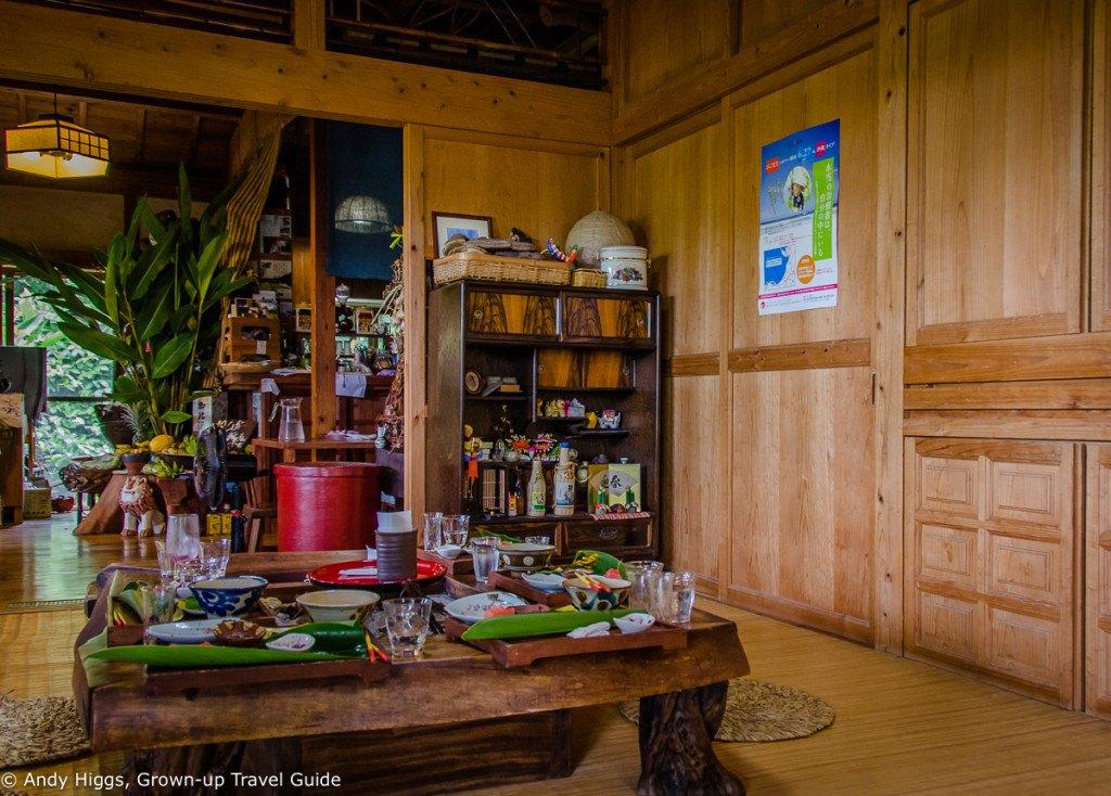 Lunch restaurant interior 1