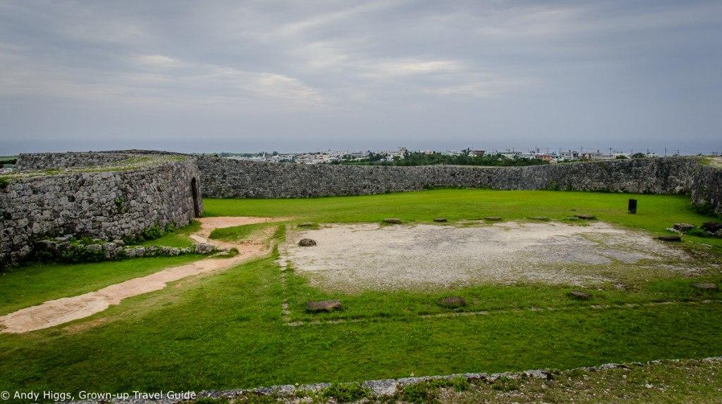 Zakimi-jo walls