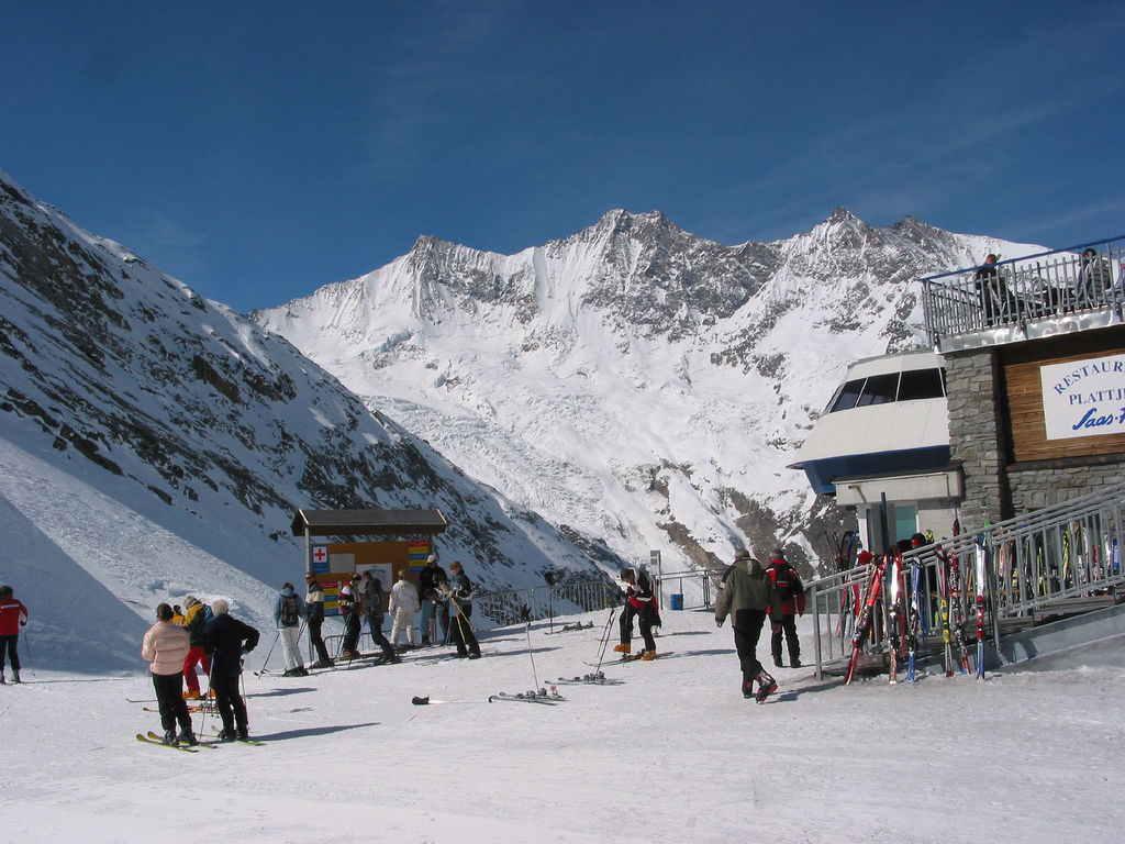 Read more about the article Saas Fee, Switzerland – a perfect destination for your family ski holiday