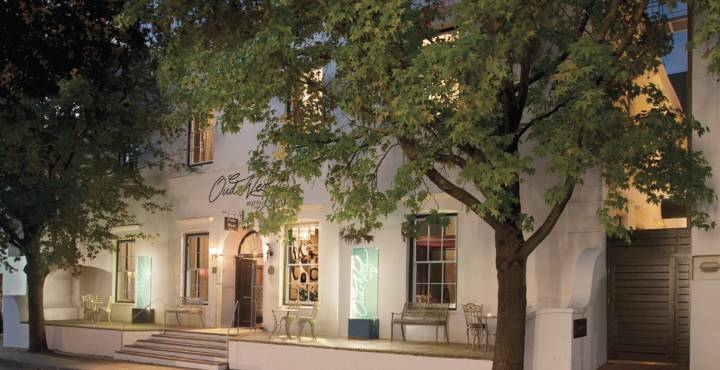 Read more about the article Hotel Review – Oude Werf, Stellenbosch, South Africa
